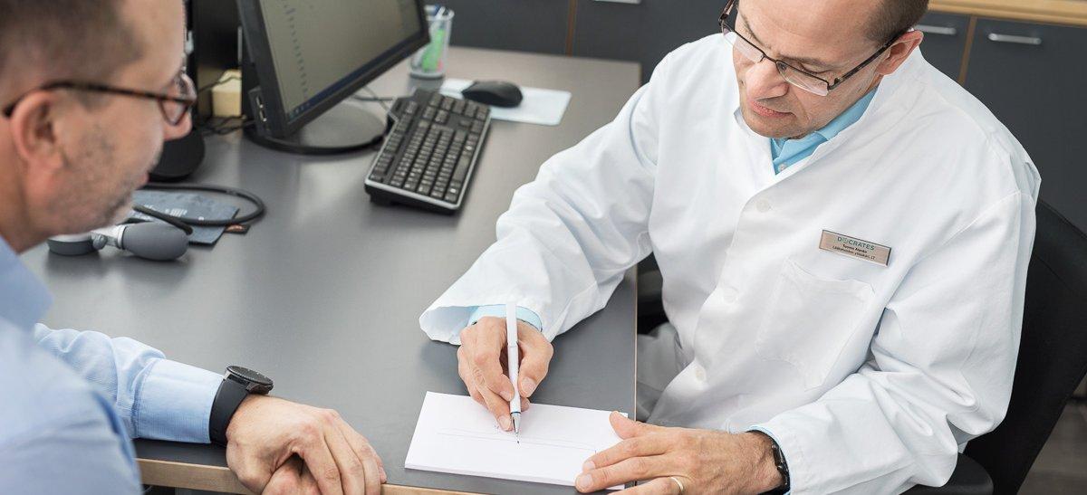 Potilas Tuomo Alangon vastaanotolla