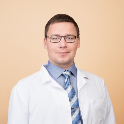 Syöpätautien erikoislääkäri Maigo Riener. Specialist in Medical Oncology and Radiotherapy, Maigo Riener.